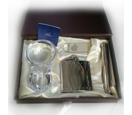 Набор для сигар Chinelli Diamante: футляр, нож, пепельница, фляга
